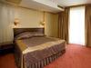 Хотел Мистрал8