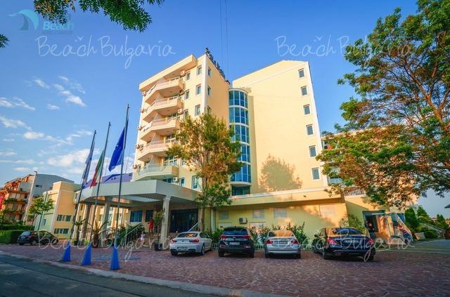 Хотел Перла Бийч 1 2