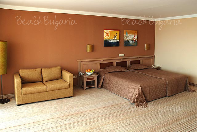 Хотел Мирамар9