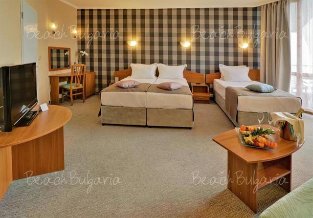 Хотел Еделвайс 21