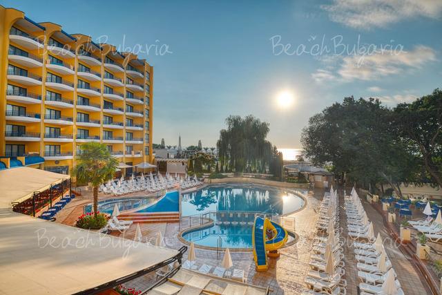 Хотел Грифид Арабела 8