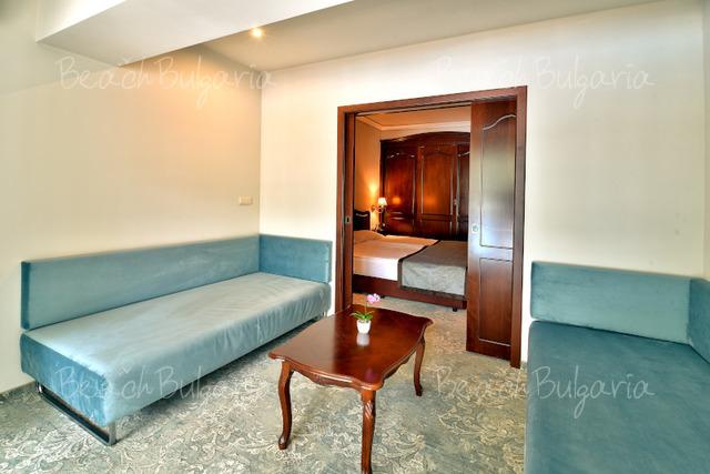Хотел Грифид Болеро5