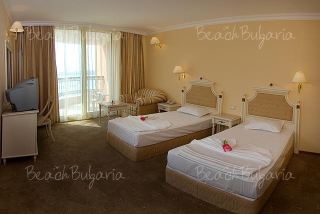Хотел Марина Бийч8