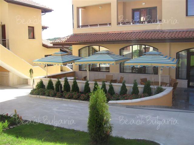 Хотел Асти Арт 12
