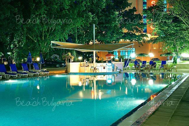 Хотел Гладиола11
