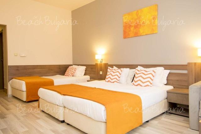 Хотел Одесос13
