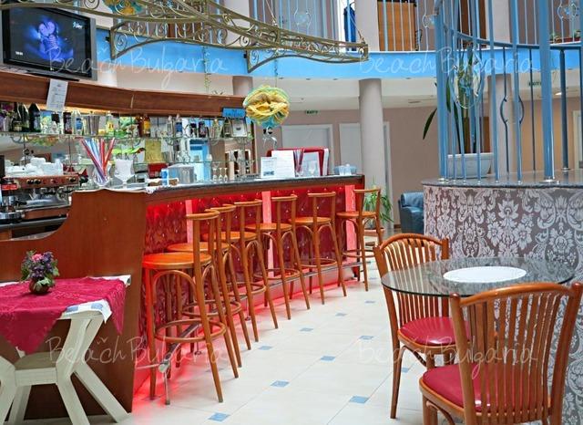 Хотел Сириус Бийч 8