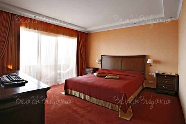 Гранд Хотел Поморие11