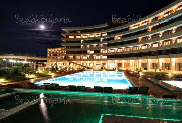 Гранд Хотел Поморие5