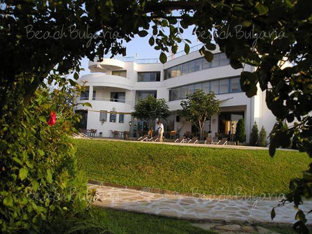 Хотел Мерлин17