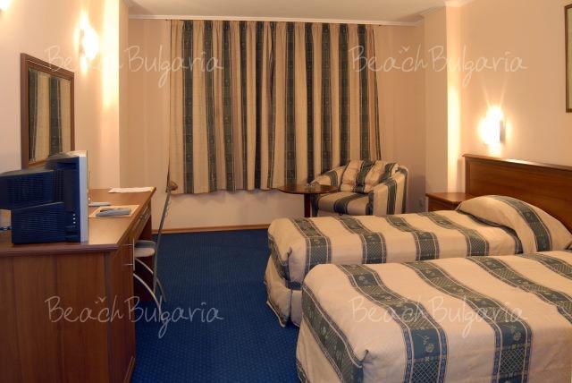 Хотел Луксор 4