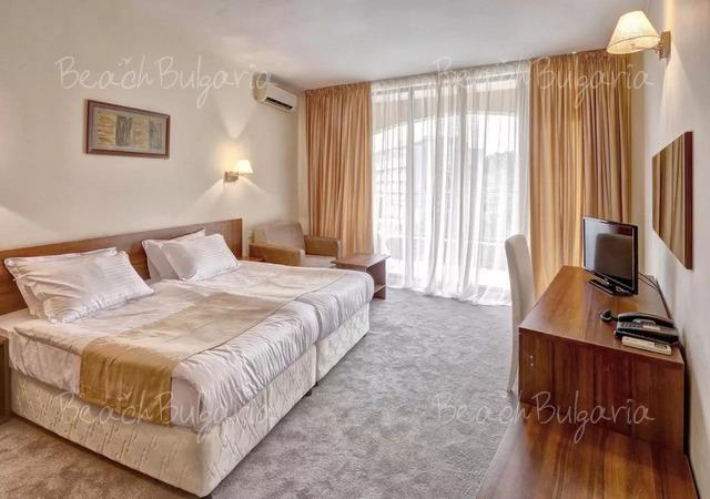 Хотел Континентал (бивш Централ)11