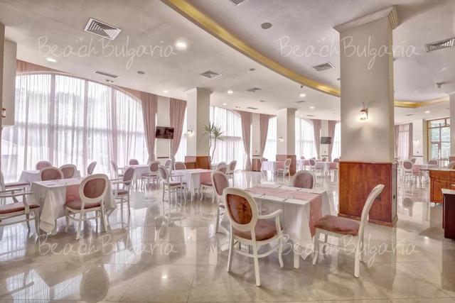 Хотел Континентал (бивш Централ)8