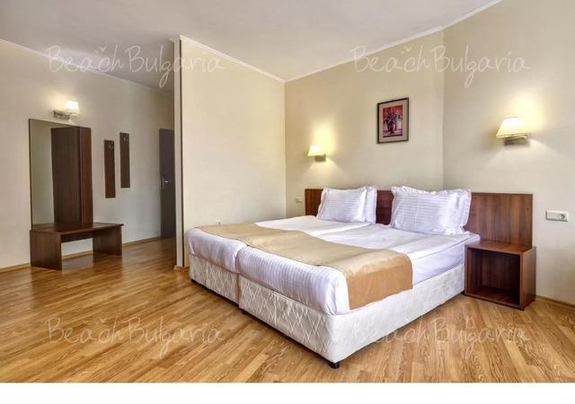 Хотел Континентал (бивш Централ)9