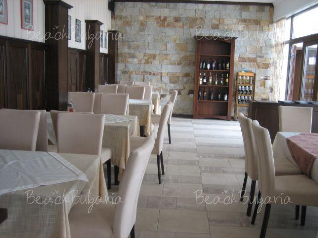 Хотел Долче Вита 9