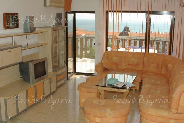 Хотел Камбани 9