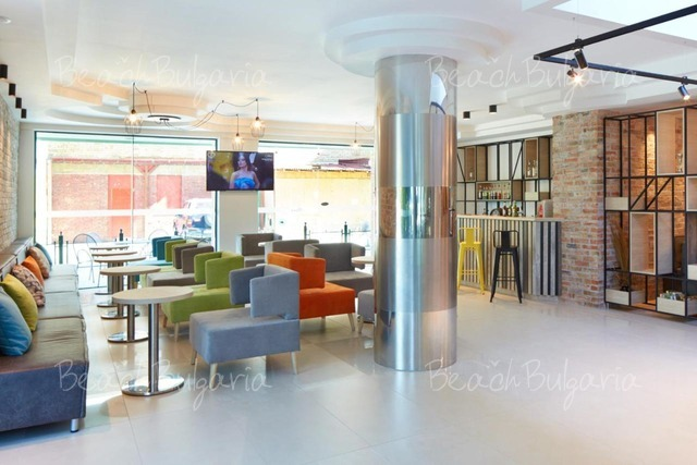 Хотел Актиния9