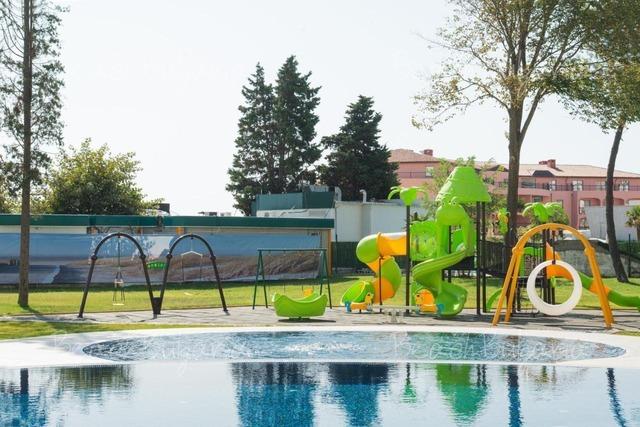 Хотел Авлига Бийч10