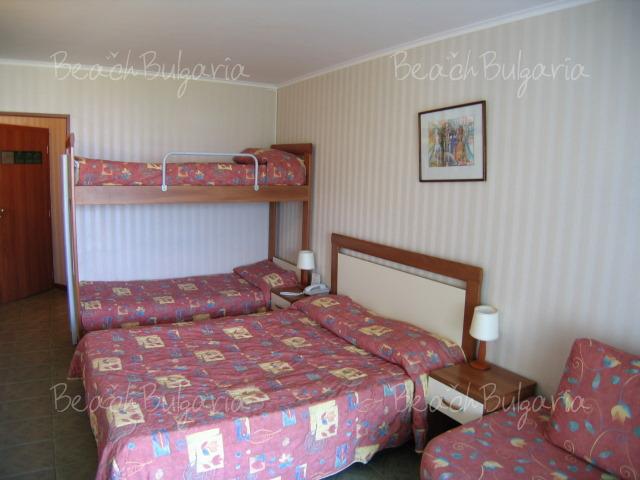 Хотел Лагуна Бийч14