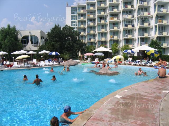 Хотел Лагуна Бийч3