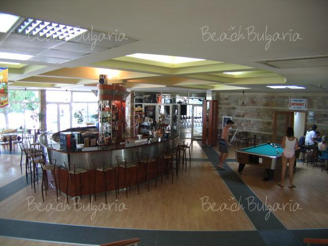 Хотел Лагуна Бийч8