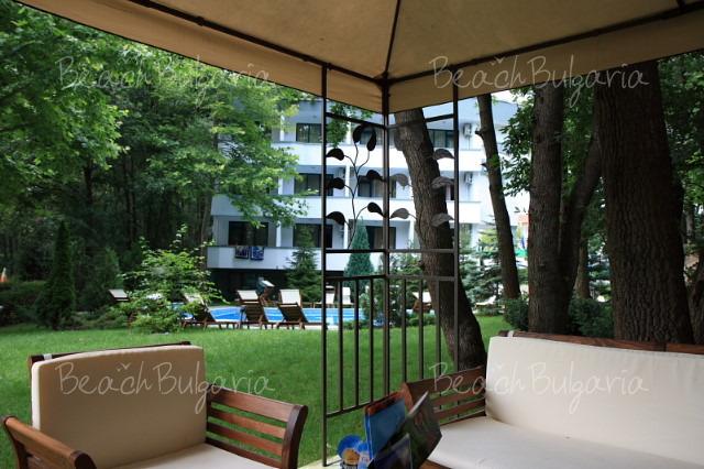 Хотел Елмар 19