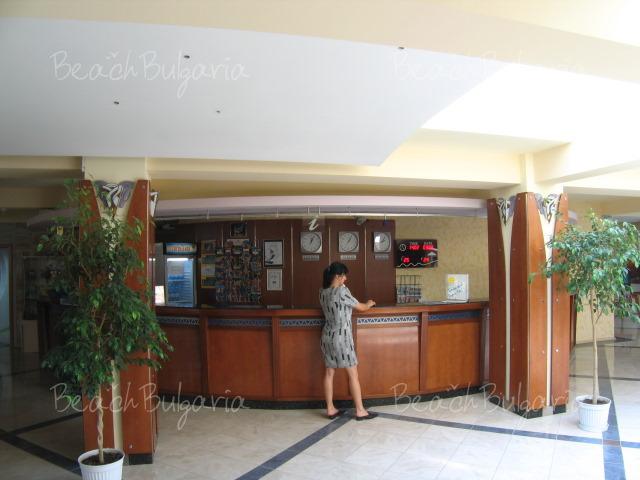 Хотел Лагуна Гардън4
