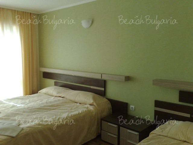 Хотел Лотос4