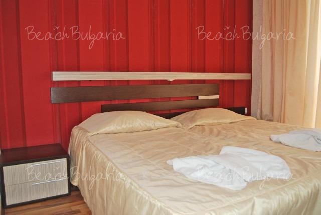 Хотел Лотос5