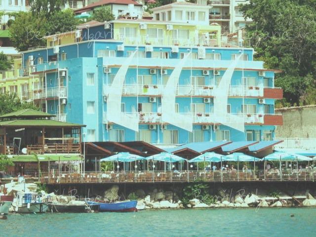 Хотел Лотос9