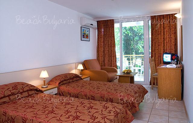 Хотел Ралица 4