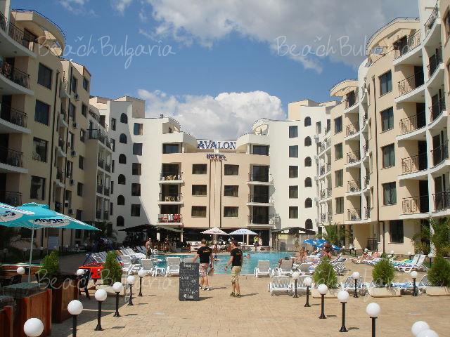 Хотел Авалон13