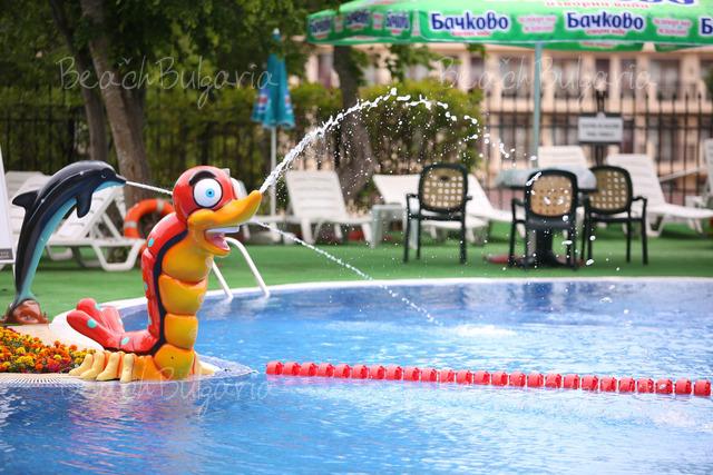 Престиж хотел и Аквапарк28
