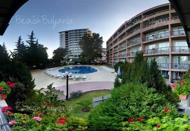 Хотел Лилия3
