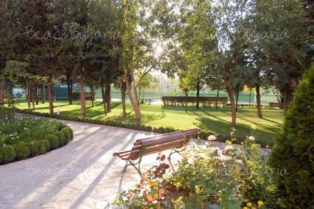 Хотел Хризантема6