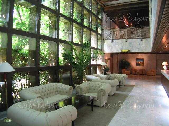 Хотел Империал7