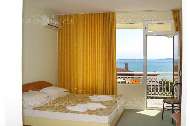 Хотел Панорама 13