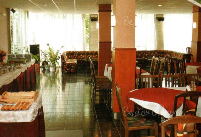 Хотел Наслада 14