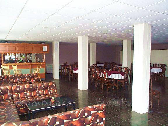 Хотел Наслада 22
