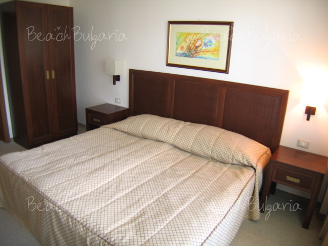 Хотел Лотос11