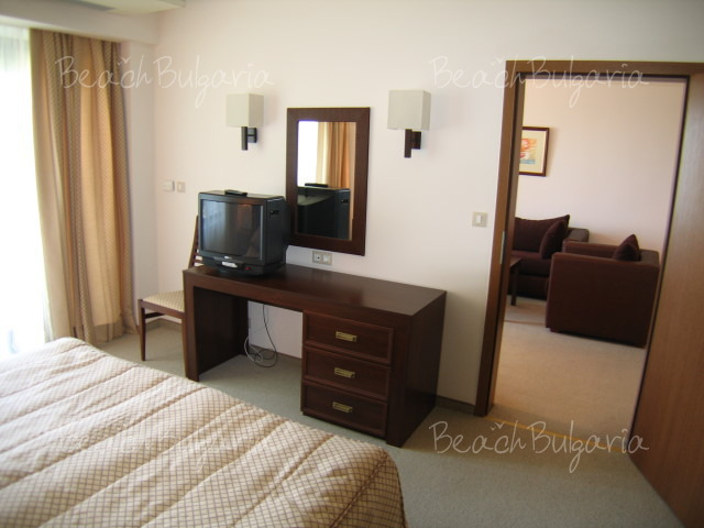 Хотел Лотос12