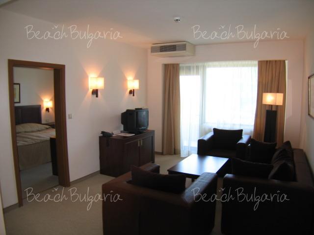 Хотел Лотос8