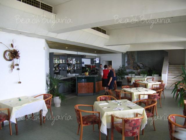 Хотел Нимфа7