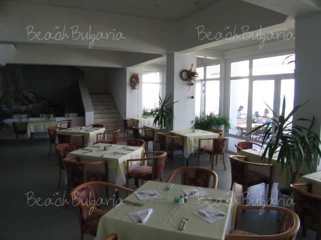 Хотел Нимфа8