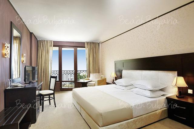 Хотел Морско Око Гардън 8