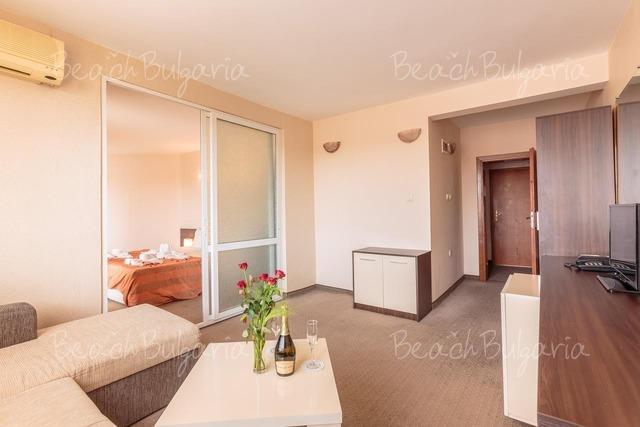 Хотел Флагман 8