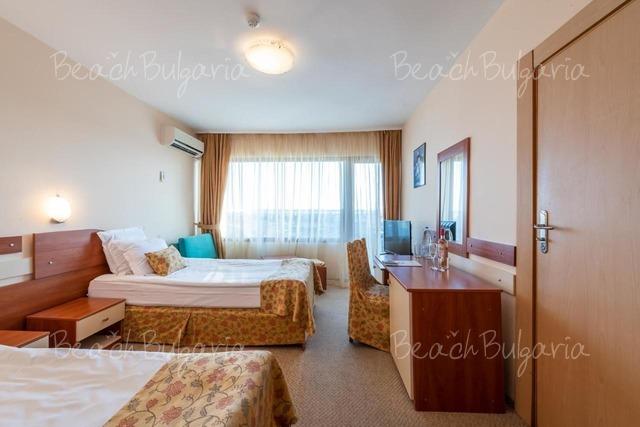 Хотел Бургас Бийч21