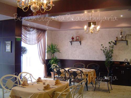 Семеен Хотел Палацо9