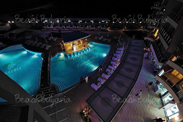 Апарт-хотел Емберли30