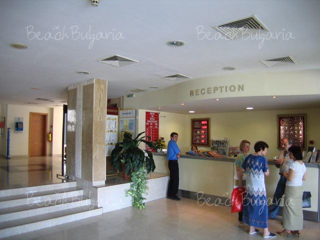 Хотел Лебед2